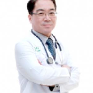 杰特宁·DR.Pinyo医生